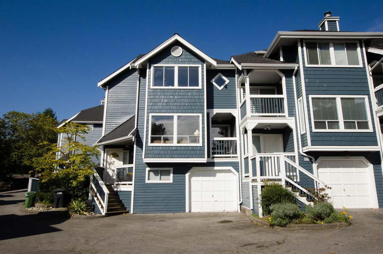 """Photo 2: Photos: 2309 RIVERWOOD Way in Vancouver: South Marine Townhouse for sale in """"Southshore"""" (Vancouver East)  : MLS®# R2410470"""