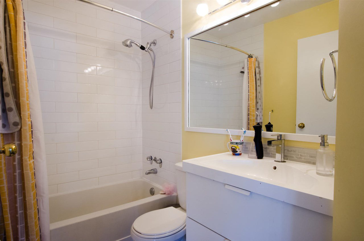 """Photo 12: Photos: 2309 RIVERWOOD Way in Vancouver: South Marine Townhouse for sale in """"Southshore"""" (Vancouver East)  : MLS®# R2410470"""