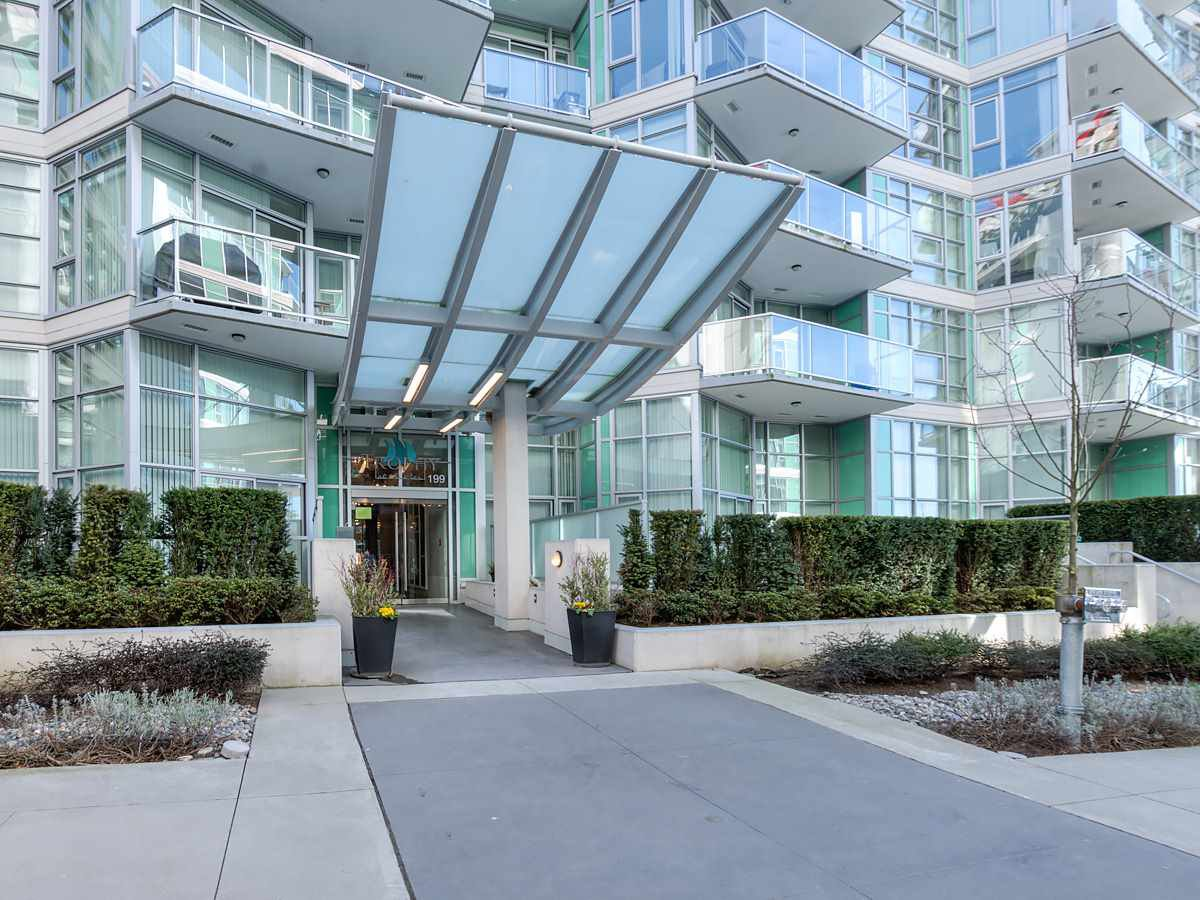 "Main Photo: 708 199 VICTORY SHIP Way in North Vancouver: Lower Lonsdale Condo for sale in ""TROPHY @ THE PIER"" : MLS®# R2445451"