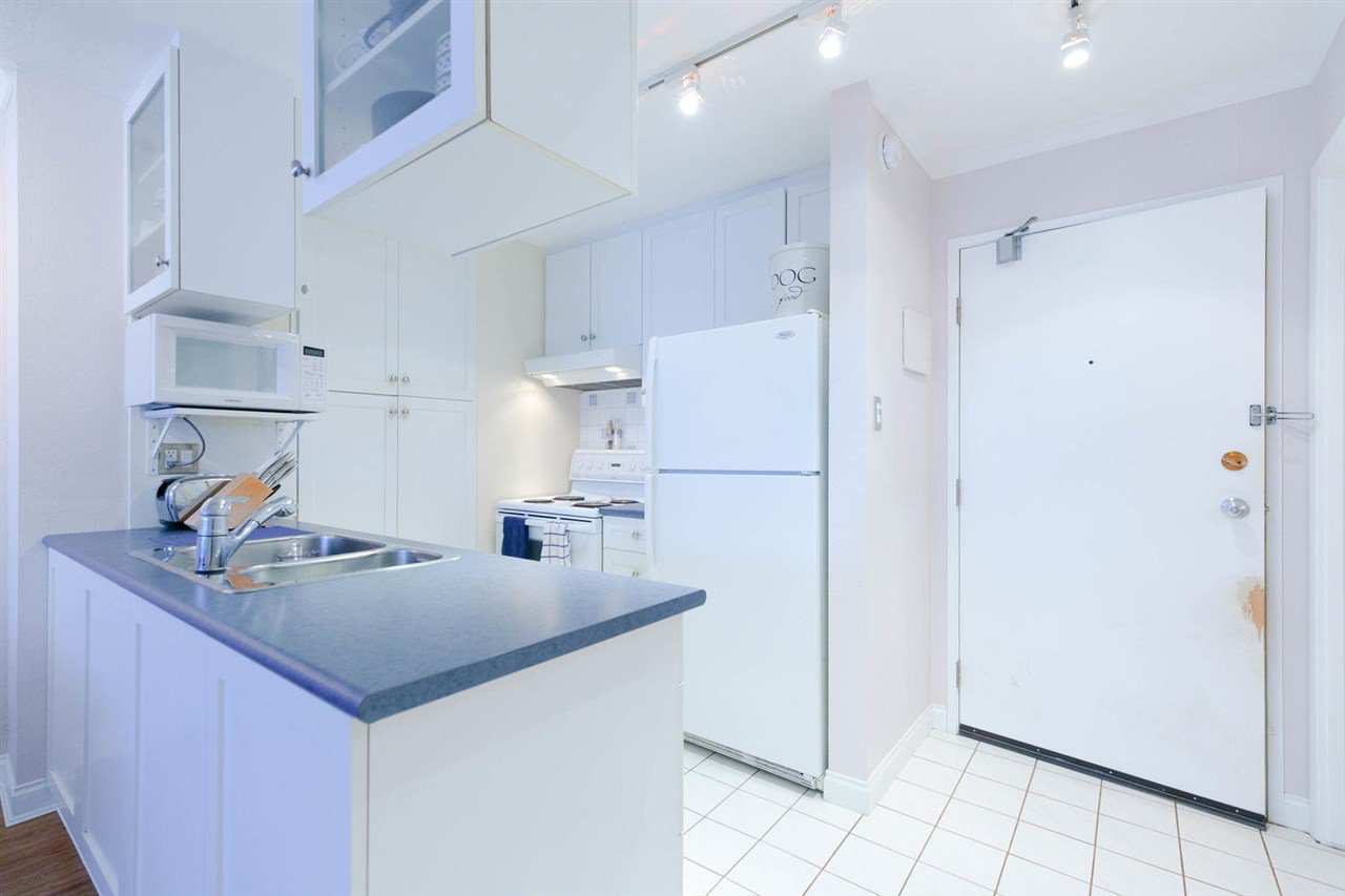 Main Photo: 420 1333 HORNBY STREET in : Downtown VW Condo for sale : MLS®# R2310278