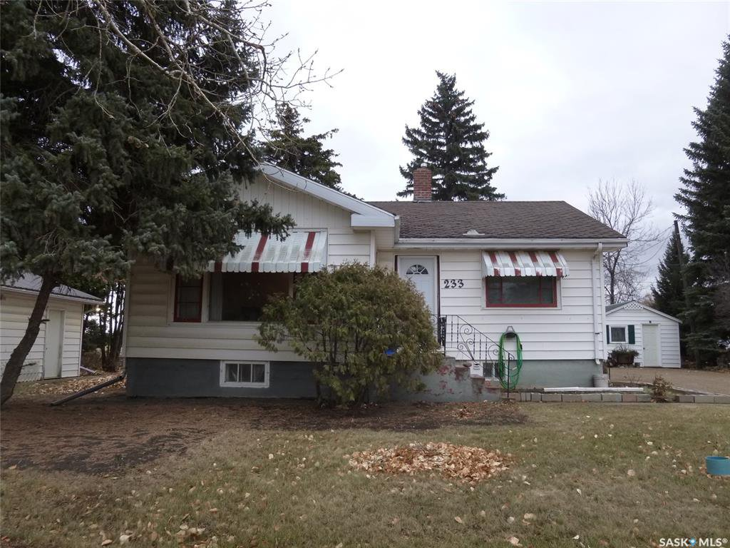 Main Photo: 233 main Street in Francis: Residential for sale : MLS®# SK831565