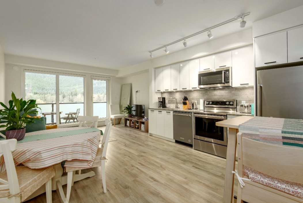 Main Photo: 503 38013 THIRD AVENUE in Squamish: Downtown SQ Condo for sale : MLS®# R2513106