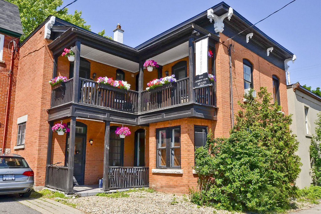 Main Photo: 66 Parent Av in OTTAWA: LowerTown Residential for rent ()  : MLS®# 835320