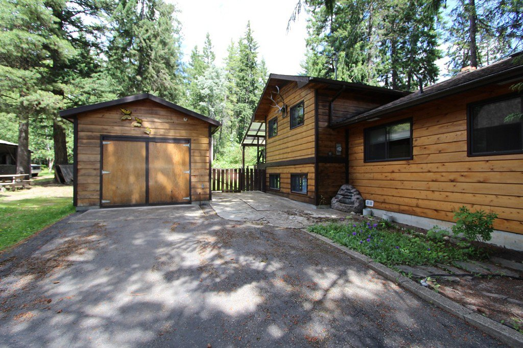 Main Photo: 5227 Tallington Drive in Celista: North Shuswap House for sale (Shuswap)  : MLS®# 10114293