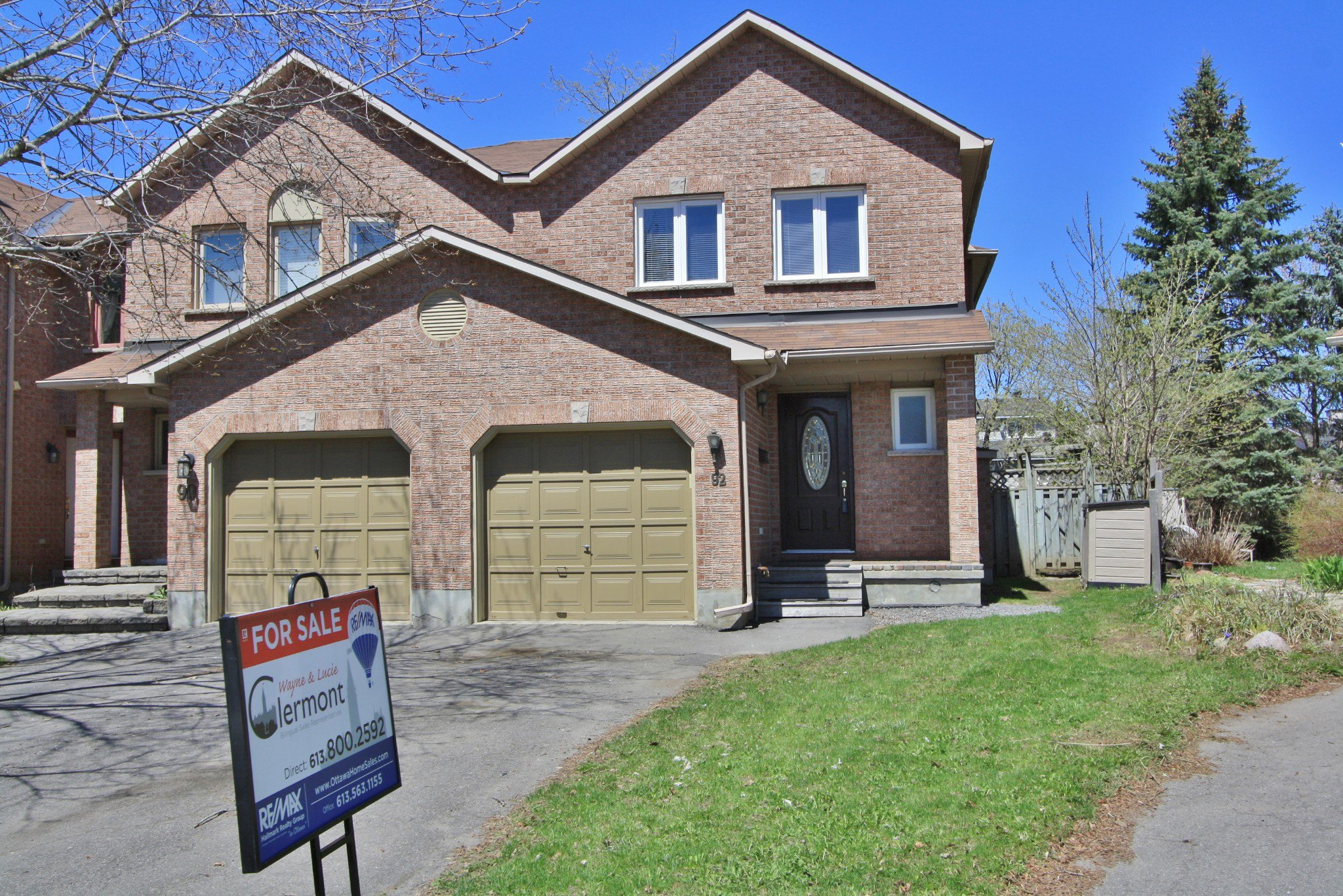 Main Photo: 92 Southport Dr in Ottawa: House for sale (Greenboro)  : MLS®# 1107375