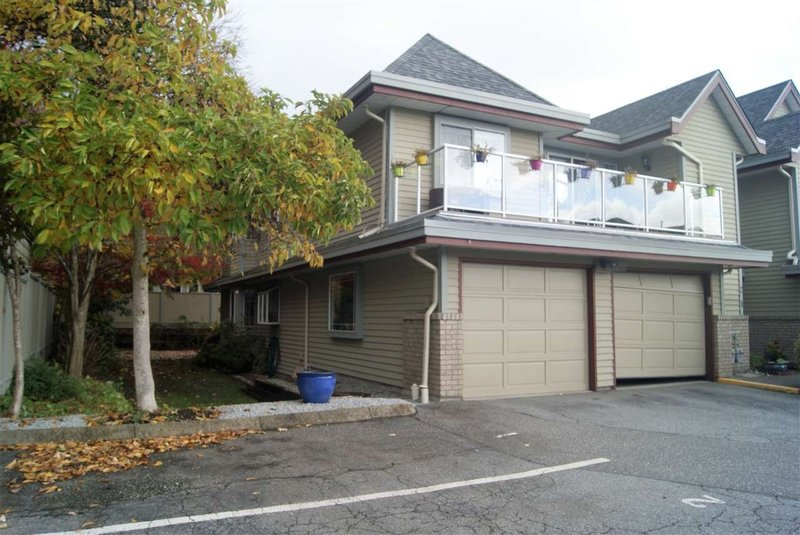 Main Photo: 1-11502 Burnett St in Maple RIdge: Townhouse for sale (Maple Ridge)  : MLS®# R2318788