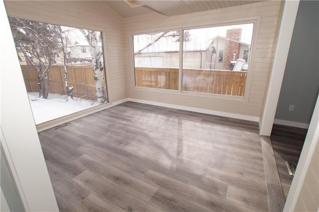 Photo 10: Photos: 56 TEMPLEWOOD RD NE in Calgary: Temple House for sale : MLS®# C4232506
