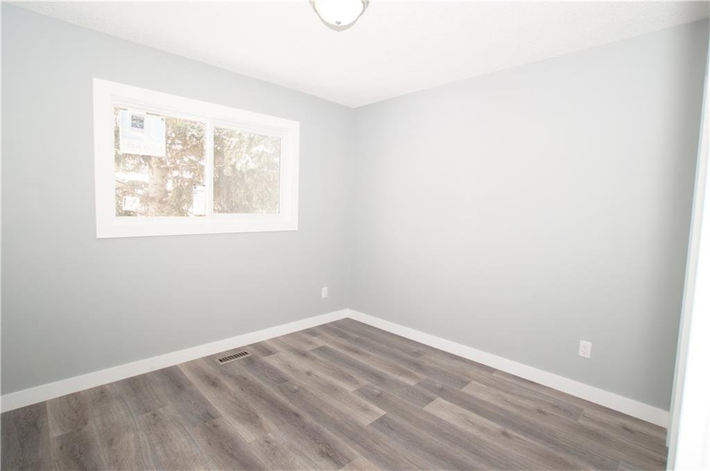 Photo 28: Photos: 56 TEMPLEWOOD RD NE in Calgary: Temple House for sale : MLS®# C4232506