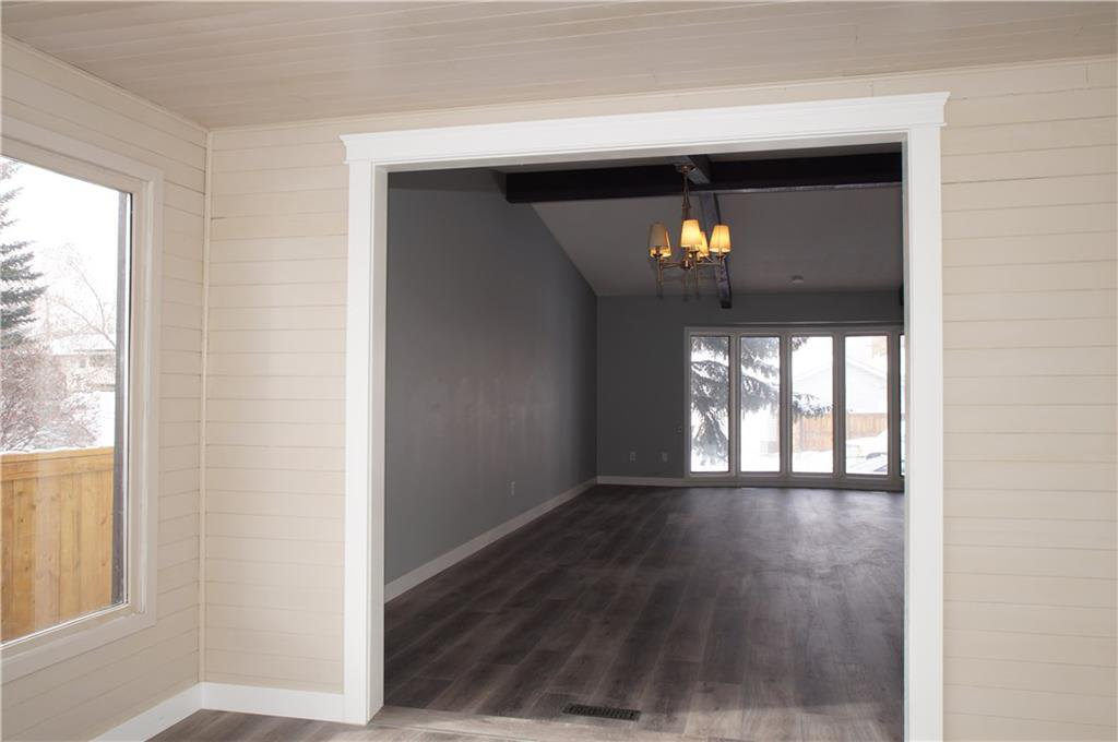 Photo 18: Photos: 56 TEMPLEWOOD RD NE in Calgary: Temple House for sale : MLS®# C4232506