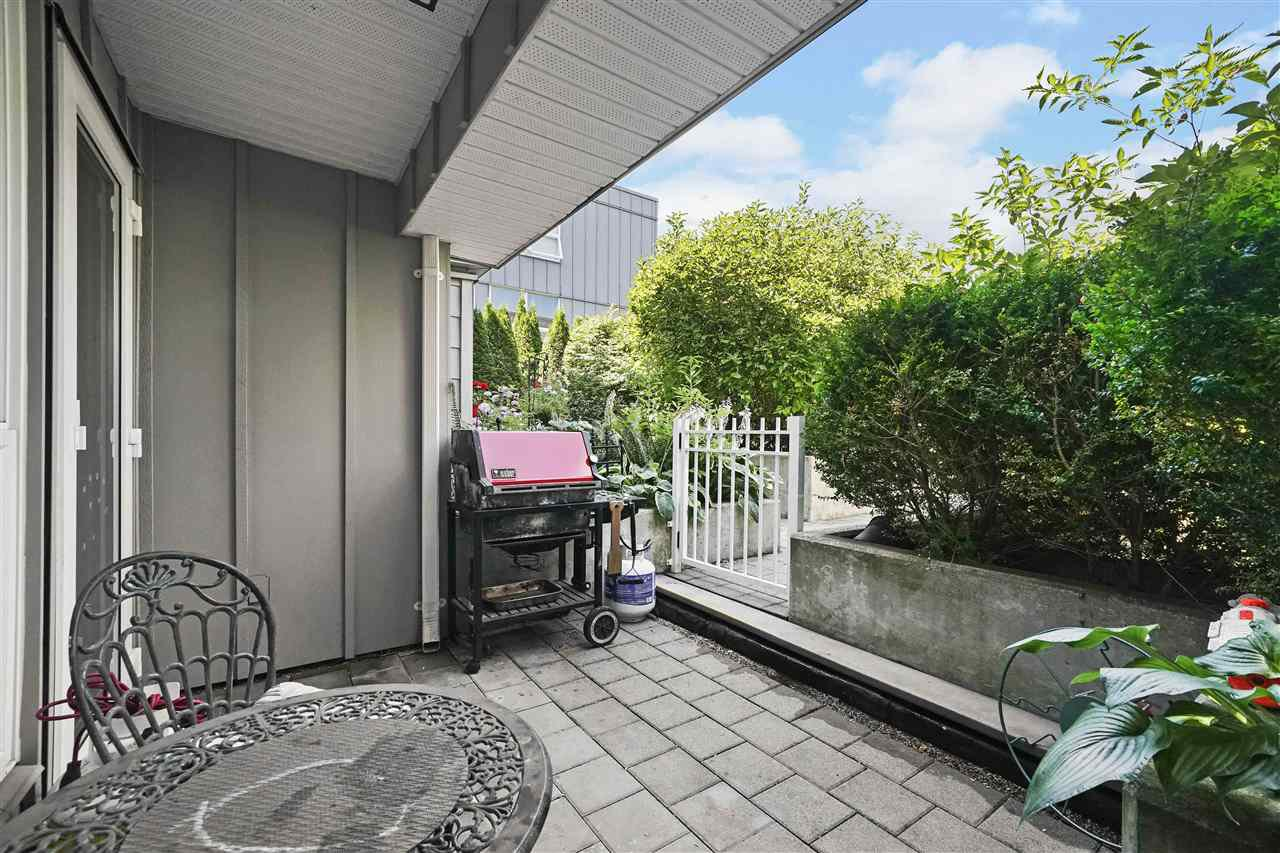 Main Photo: 205 2891 E HASTINGS STREET in Vancouver: Hastings Condo for sale (Vancouver East)  : MLS®# R2391520