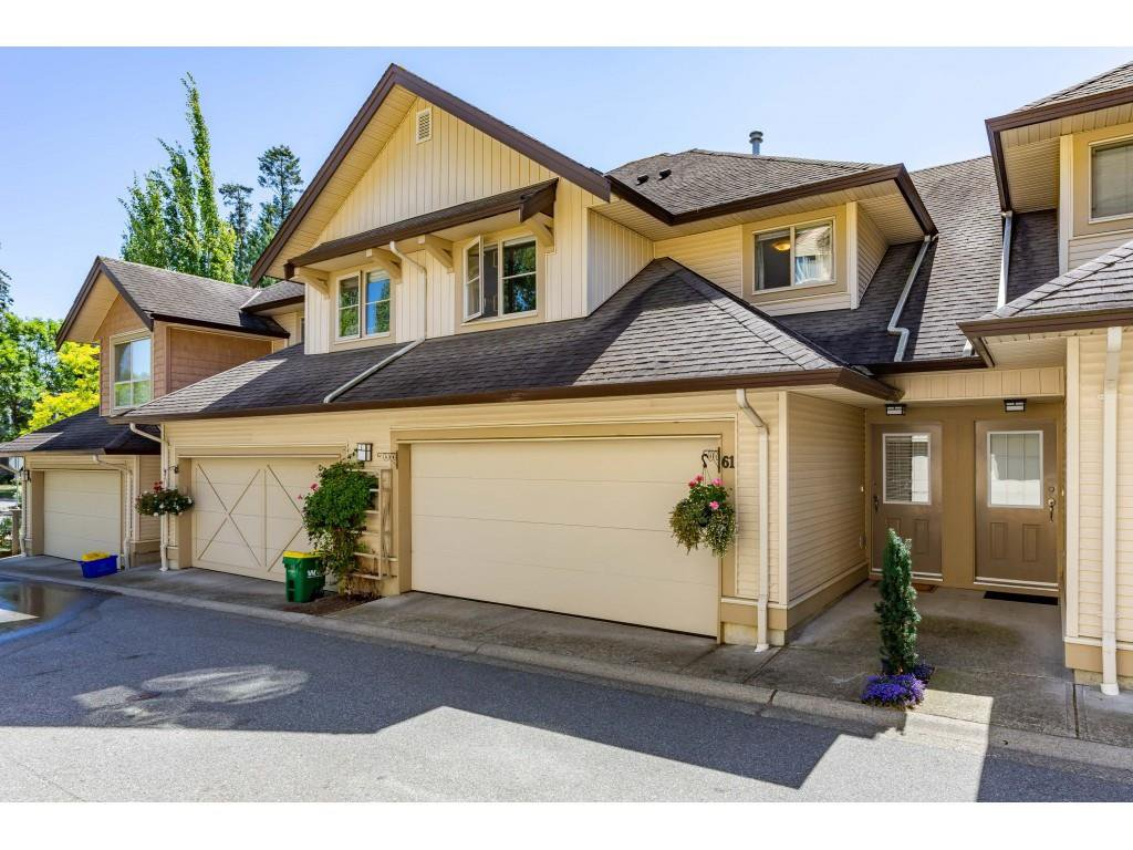 "Main Photo: 61 20350 68 Avenue in Langley: Willoughby Heights Townhouse for sale in ""SUNRIDGE"" : MLS®# R2478175"