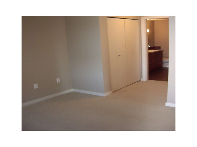 """Photo 6: Photos: 108 5889 IRMIN Street in Burnaby: Metrotown Condo for sale in """"MACHPERSON WALK EAST"""" (Burnaby South)  : MLS®# V969795"""