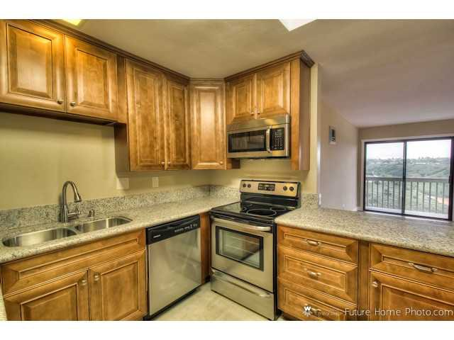 Main Photo: CLAIREMONT Condo for sale : 2 bedrooms : 2929 Cowley Way #H in San Diego