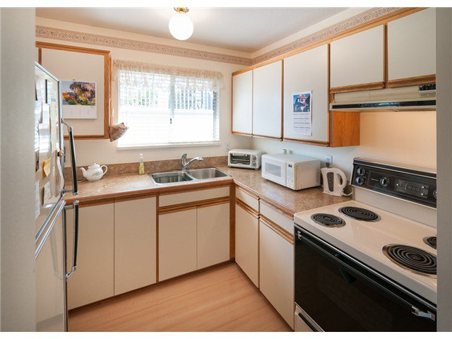 """Photo 7: Photos: 224 4TH AV in New Westminster: Queens Park House for sale in """"QUEEN'S PARK"""" : MLS®# V1014040"""