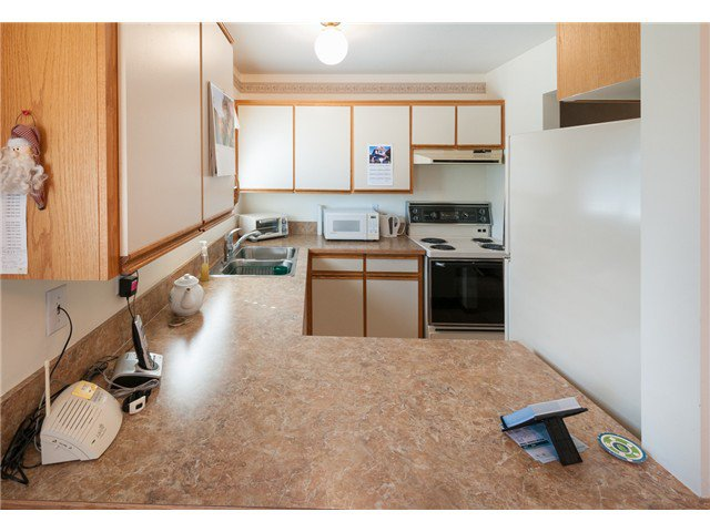 """Photo 6: Photos: 224 4TH AV in New Westminster: Queens Park House for sale in """"QUEEN'S PARK"""" : MLS®# V1014040"""
