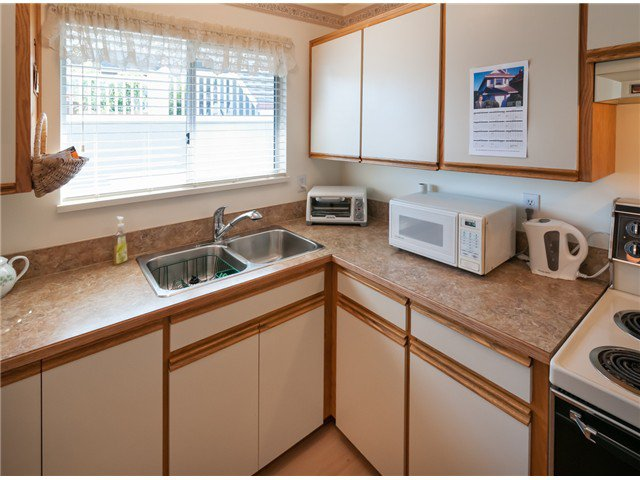 """Photo 8: Photos: 224 4TH AV in New Westminster: Queens Park House for sale in """"QUEEN'S PARK"""" : MLS®# V1014040"""