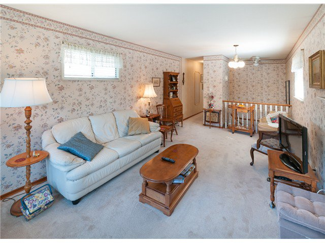 """Photo 10: Photos: 224 4TH AV in New Westminster: Queens Park House for sale in """"QUEEN'S PARK"""" : MLS®# V1014040"""