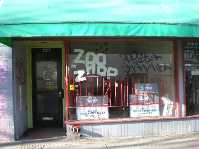 Main Photo: 223 Main Street in Vancouver: Home for lease (Vancouver East)