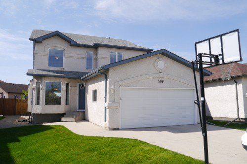 Main Photo: 588 Island Shore Boulevard in Winnipeg: Island Lakes Single Family Detached for sale (South Winnipeg)  : MLS®# 1411904