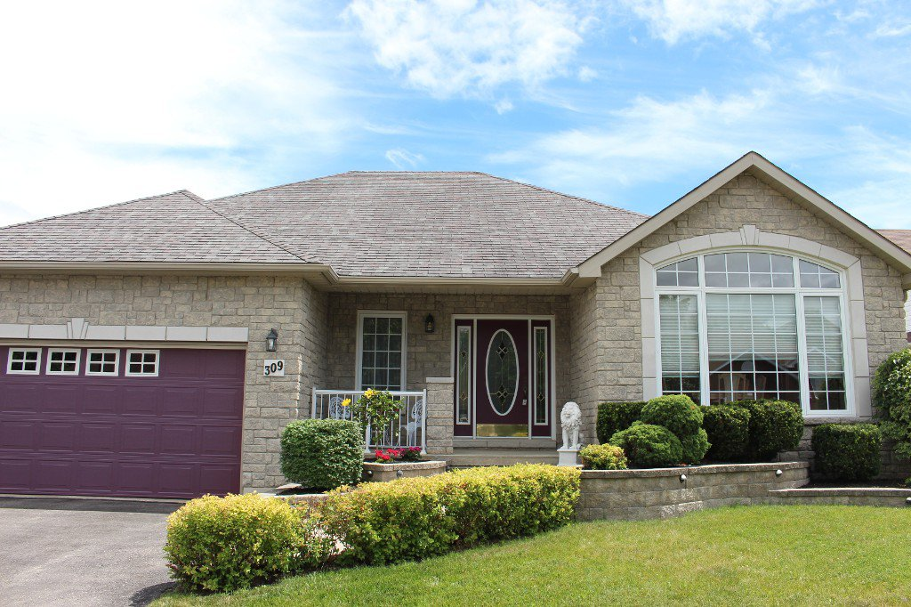 Main Photo: 309 Parkview Hills Drive in Cobourg: House for sale : MLS®# 512440066