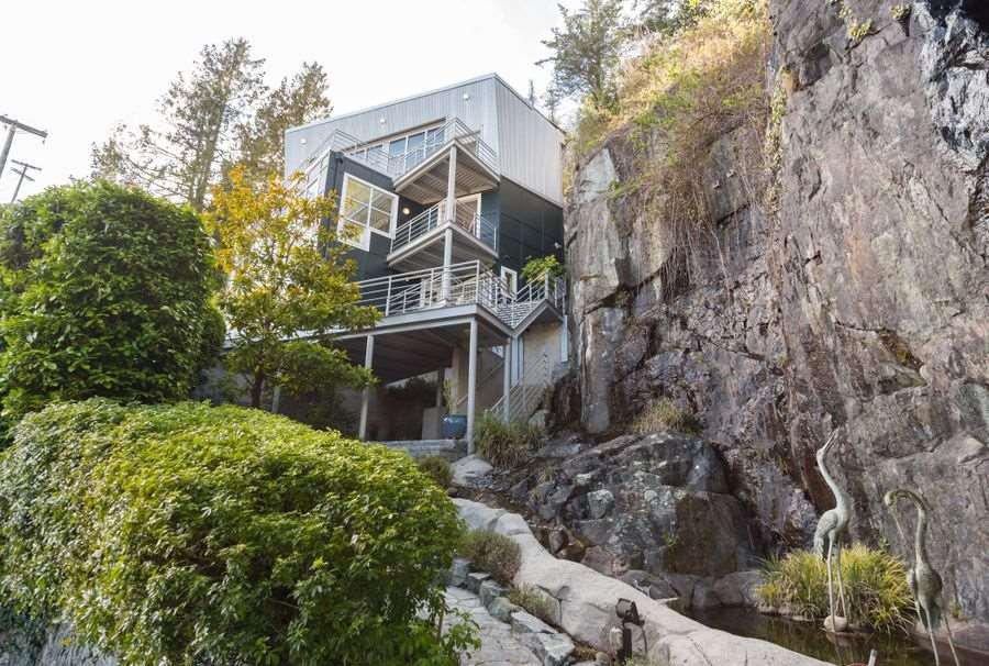 Main Photo: 5897 MARINE DRIVE in : Eagleridge House for sale : MLS®# R2157988
