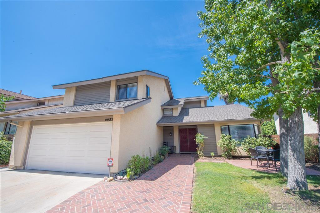 Main Photo: House for sale : 4 bedrooms : 2022 Seca St in El Cajon