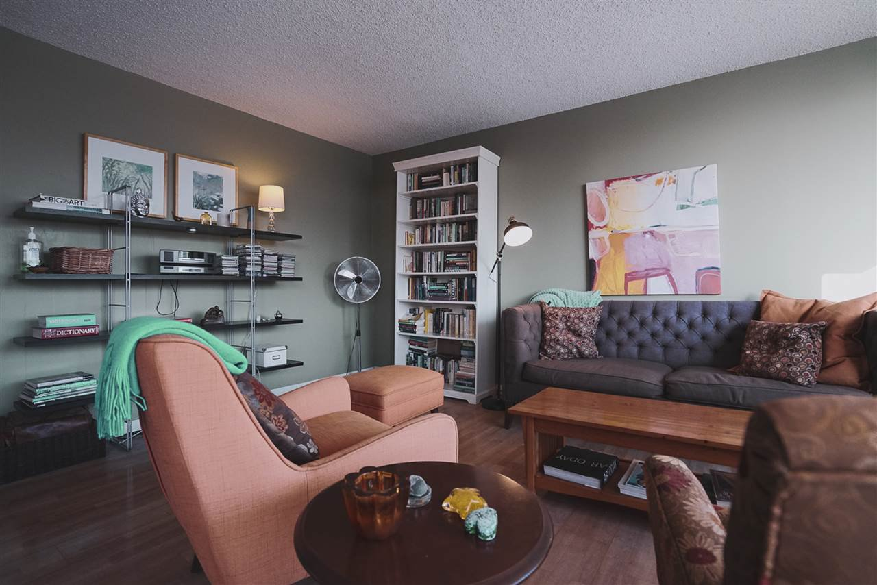Photo 5: Photos: 904 10025 113 Street in Edmonton: Zone 12 Condo for sale : MLS®# E4184015