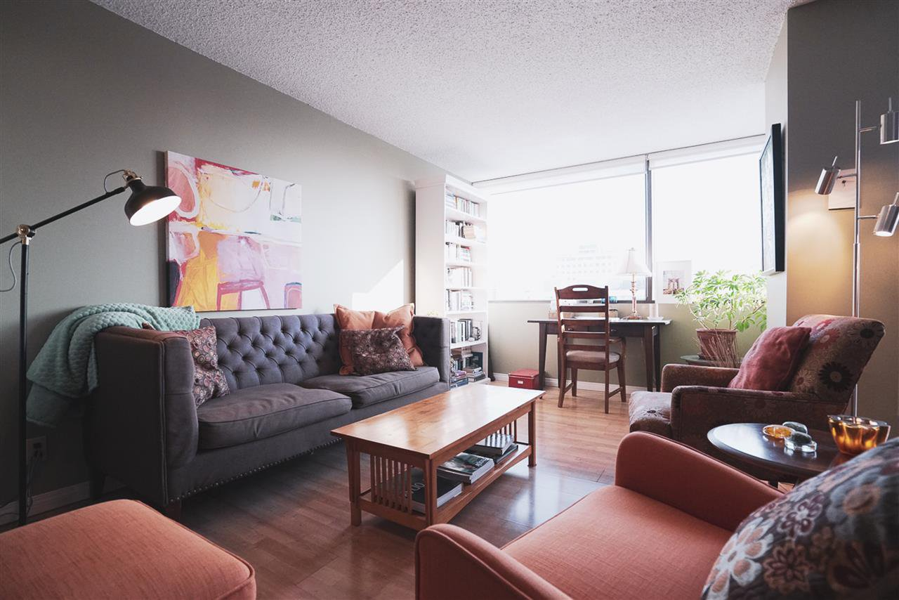 Photo 7: Photos: 904 10025 113 Street in Edmonton: Zone 12 Condo for sale : MLS®# E4184015