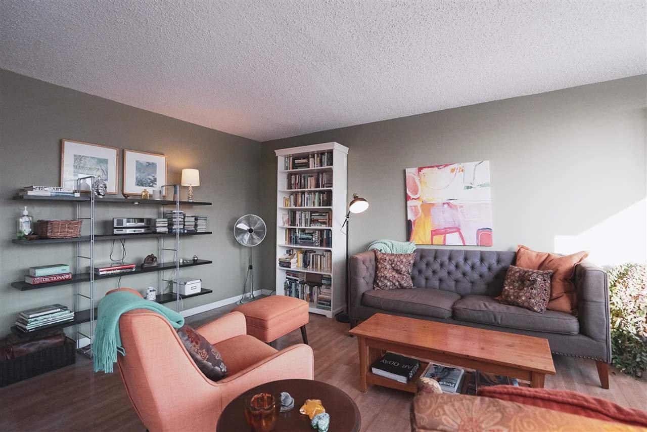 Photo 4: Photos: 904 10025 113 Street in Edmonton: Zone 12 Condo for sale : MLS®# E4184015