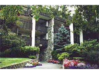Main Photo: 306 1120 Fairfield Rd in VICTORIA: Vi Fairfield West Condo for sale (Victoria)  : MLS®# 107097