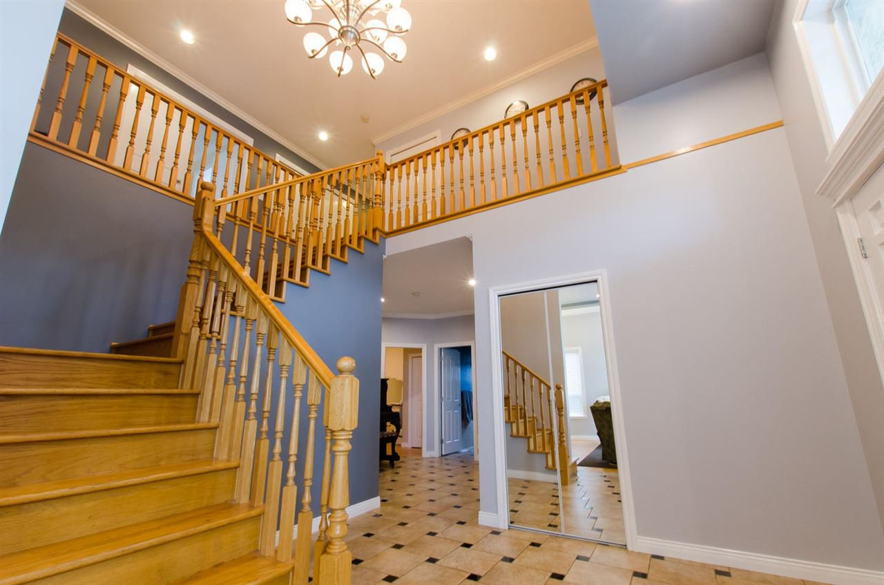 Photo 5: Photos: 18259 CLAYTONHILL DRIVE in Surrey: Cloverdale BC House for sale (Cloverdale)