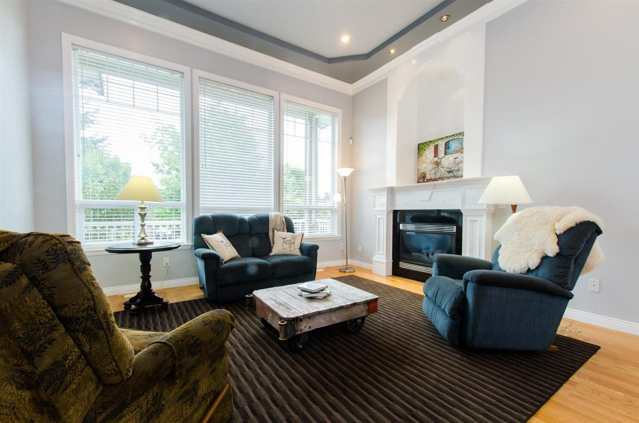 Photo 3: Photos: 18259 CLAYTONHILL DRIVE in Surrey: Cloverdale BC House for sale (Cloverdale)