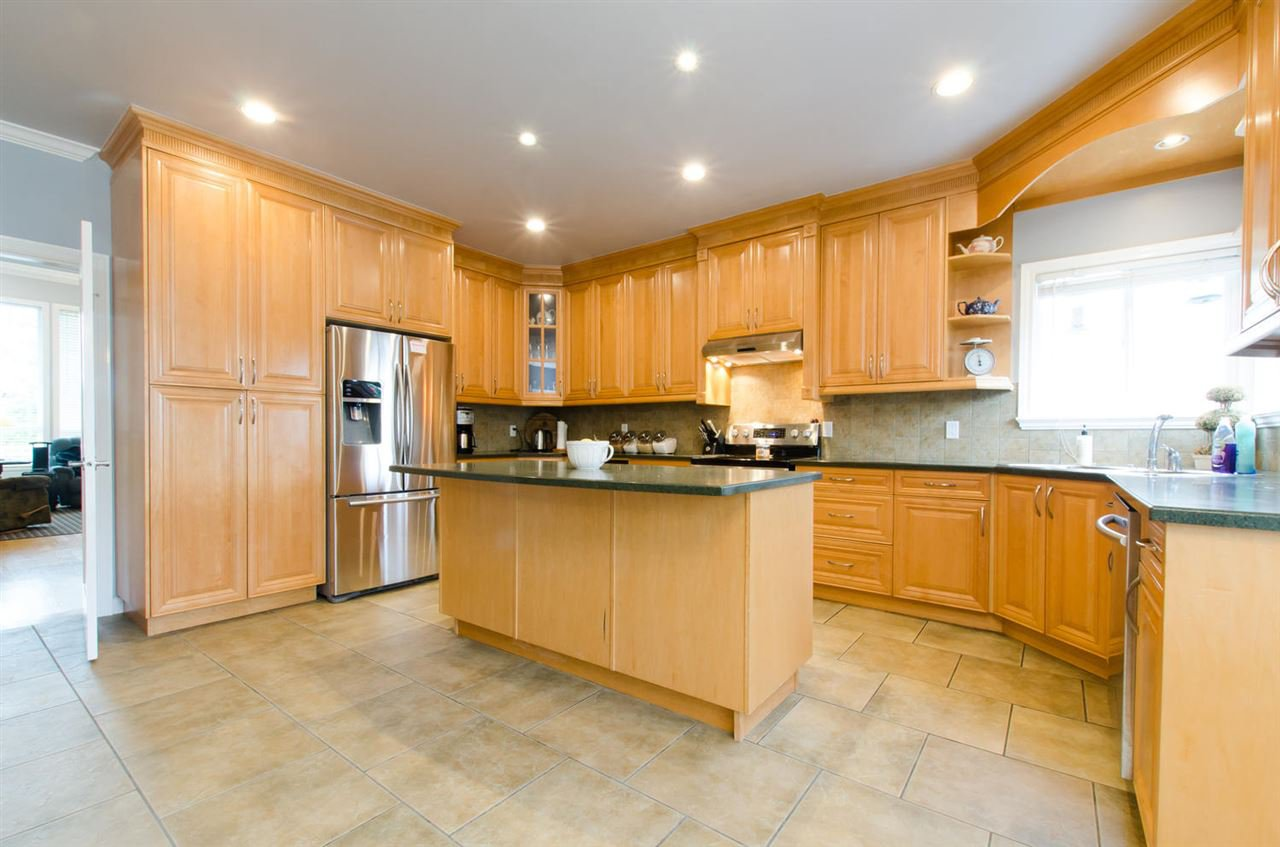 Photo 7: Photos: 18259 CLAYTONHILL DRIVE in Surrey: Cloverdale BC House for sale (Cloverdale)