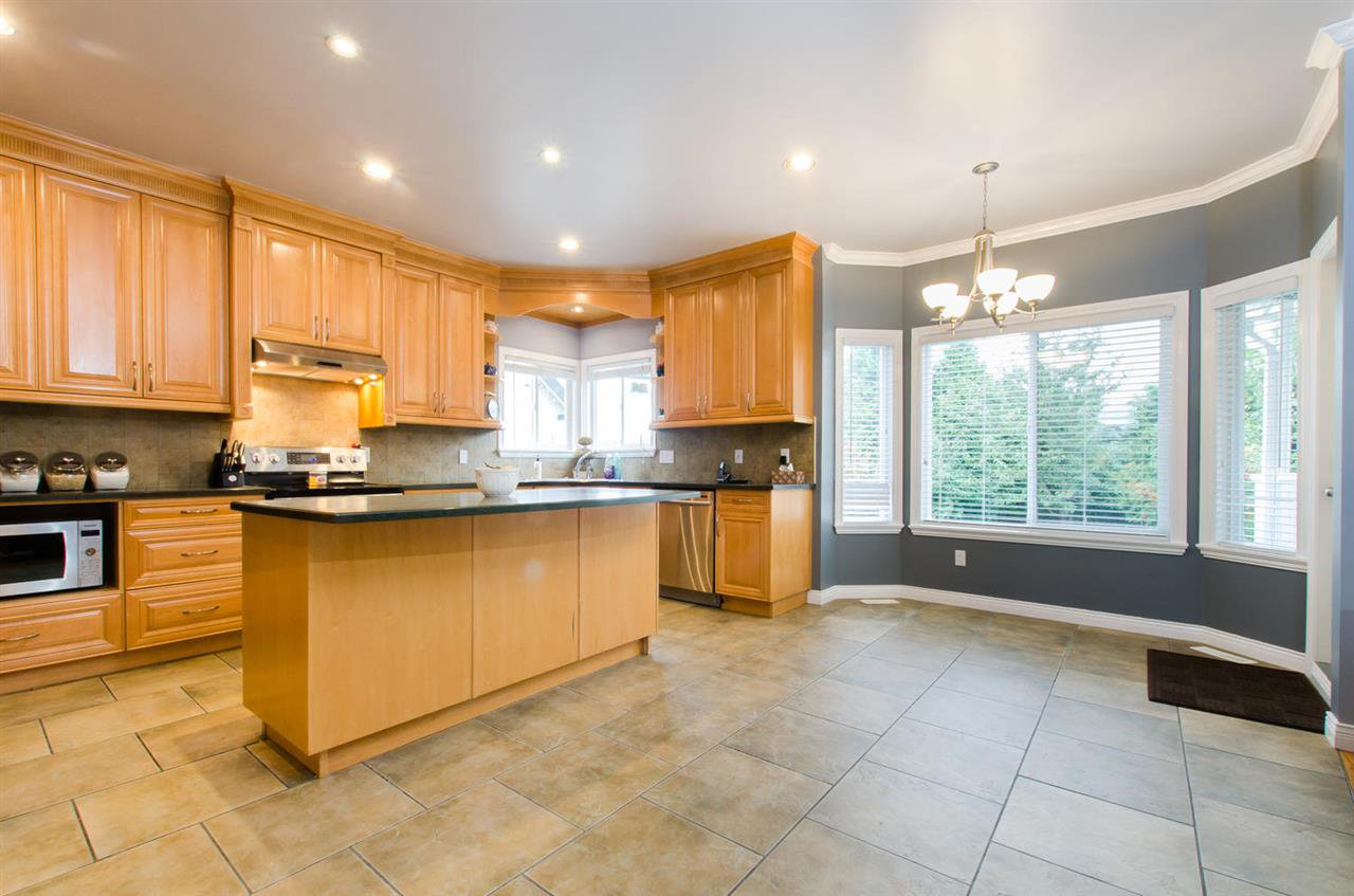 Photo 6: Photos: 18259 CLAYTONHILL DRIVE in Surrey: Cloverdale BC House for sale (Cloverdale)