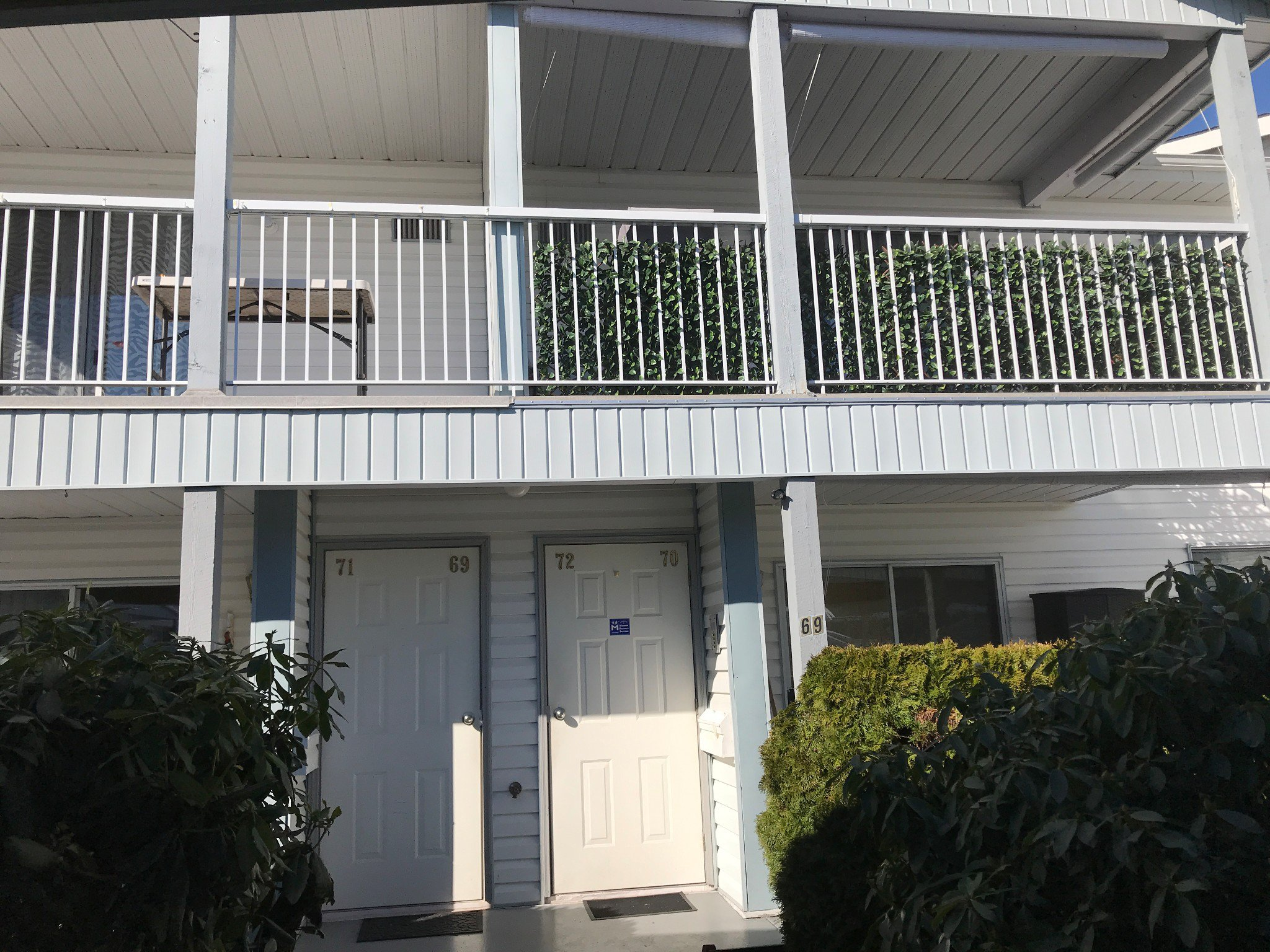 Main Photo: #72 32691 Garibaldi Dr. in Abbotsford: Central Abbotsford Condo for rent