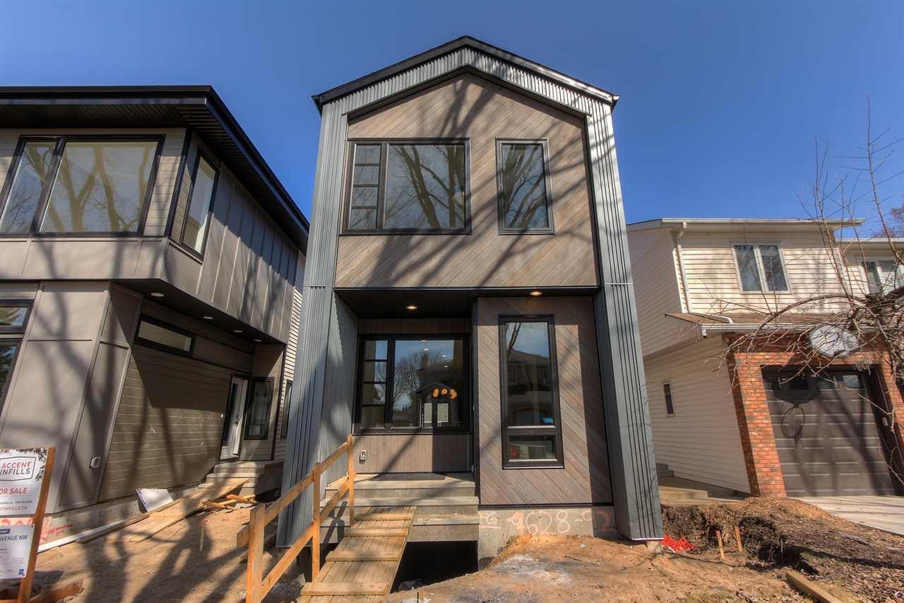 Main Photo: 7628 92 AV NW NW in Edmonton: Zone 18 House for sale : MLS®# E4152762