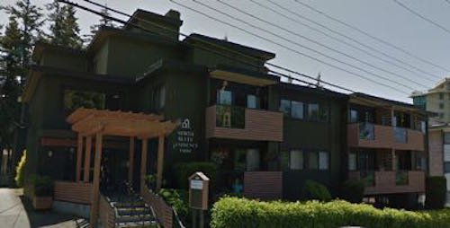 Main Photo: 14884 North Bluff Road in White Rock: Multi-Family Commercial for sale (Vancouver East)