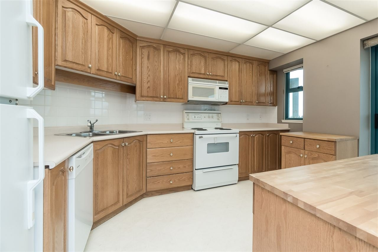 """Photo 13: Photos: 1202 32440 SIMON Avenue in Abbotsford: Abbotsford West Condo for sale in """"Trethewey Tower"""" : MLS®# R2441623"""