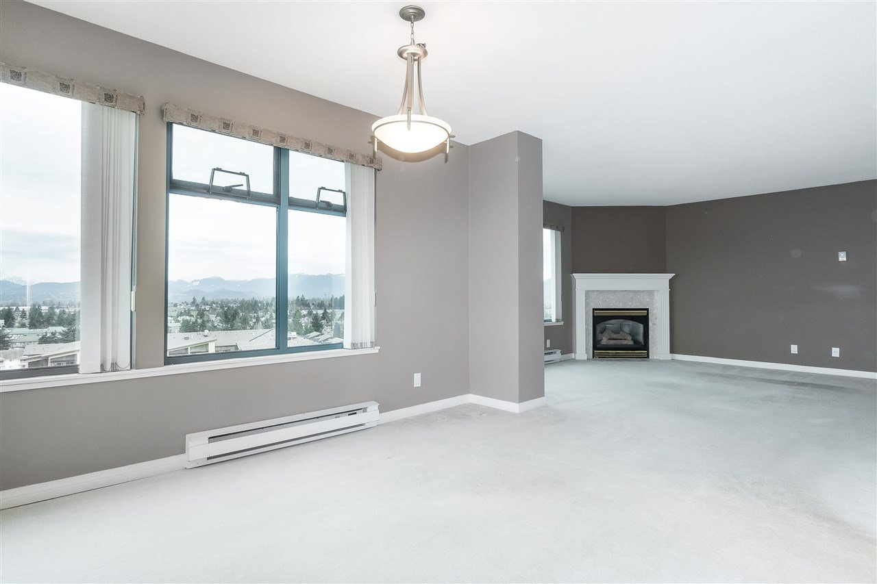 """Photo 9: Photos: 1202 32440 SIMON Avenue in Abbotsford: Abbotsford West Condo for sale in """"Trethewey Tower"""" : MLS®# R2441623"""