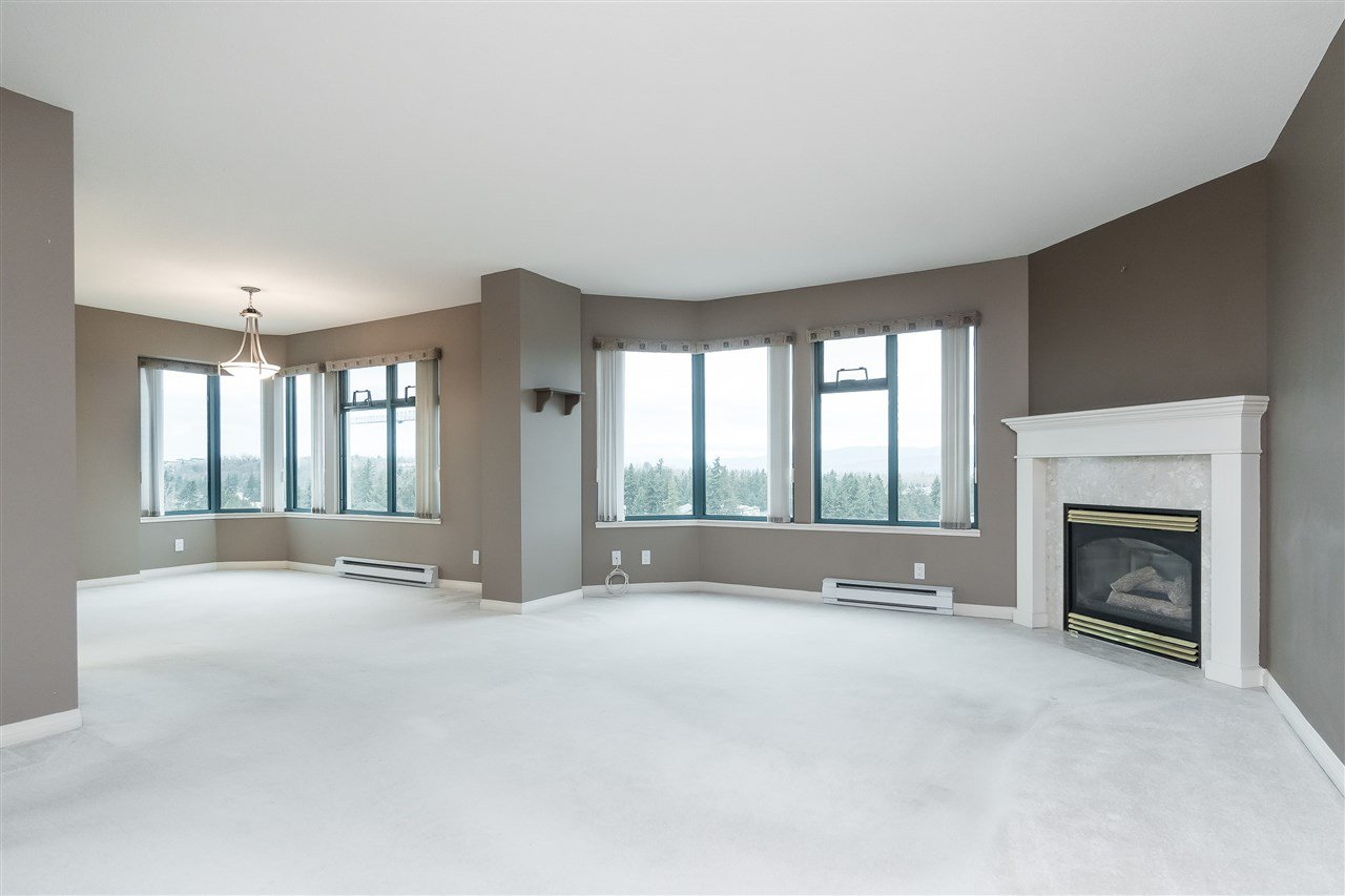 """Photo 4: Photos: 1202 32440 SIMON Avenue in Abbotsford: Abbotsford West Condo for sale in """"Trethewey Tower"""" : MLS®# R2441623"""