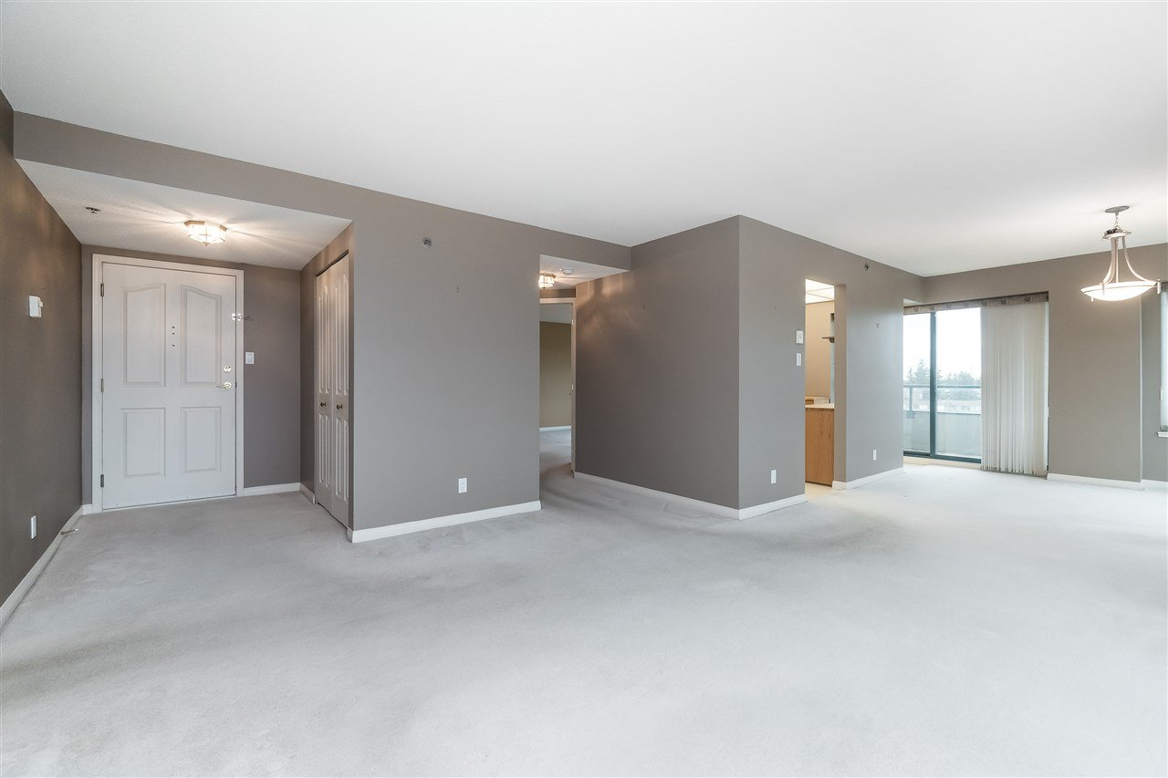 """Photo 6: Photos: 1202 32440 SIMON Avenue in Abbotsford: Abbotsford West Condo for sale in """"Trethewey Tower"""" : MLS®# R2441623"""