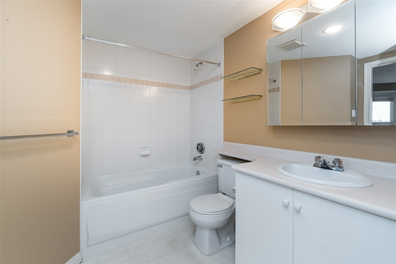 """Photo 18: Photos: 1202 32440 SIMON Avenue in Abbotsford: Abbotsford West Condo for sale in """"Trethewey Tower"""" : MLS®# R2441623"""