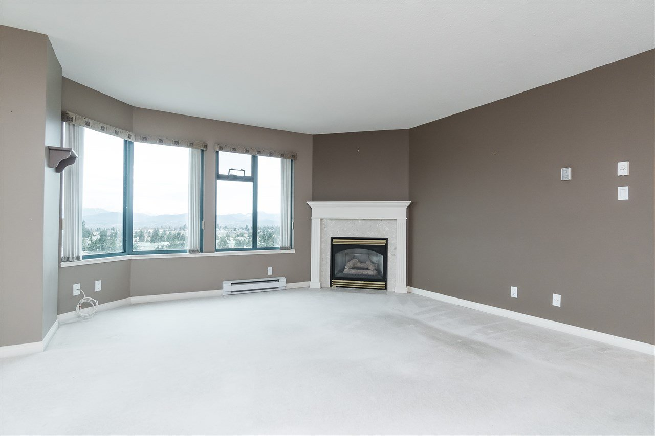 """Photo 5: Photos: 1202 32440 SIMON Avenue in Abbotsford: Abbotsford West Condo for sale in """"Trethewey Tower"""" : MLS®# R2441623"""