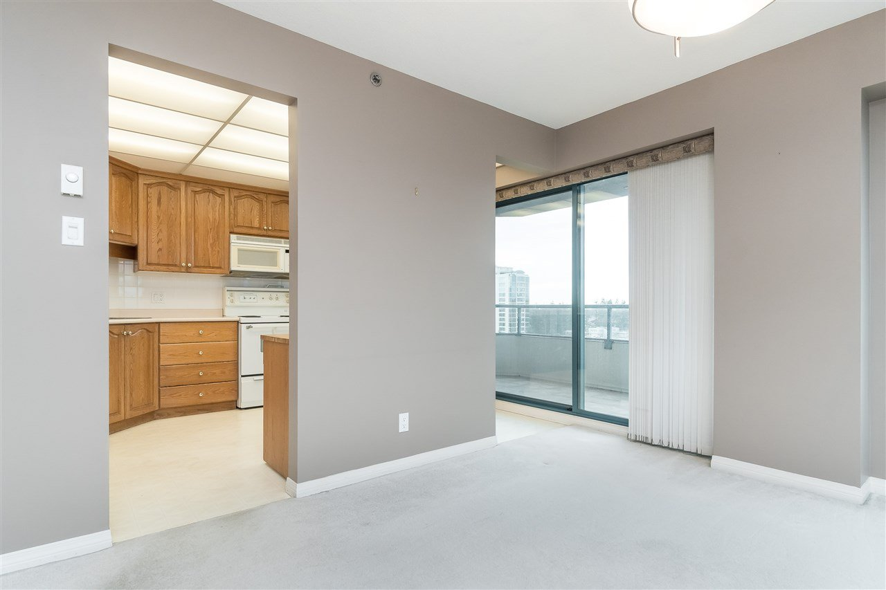 """Photo 11: Photos: 1202 32440 SIMON Avenue in Abbotsford: Abbotsford West Condo for sale in """"Trethewey Tower"""" : MLS®# R2441623"""