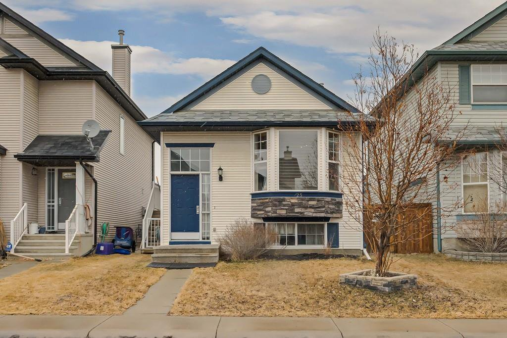 Main Photo: 25 CRANBERRY Way SE in Calgary: Cranston Detached for sale : MLS®# C4292259