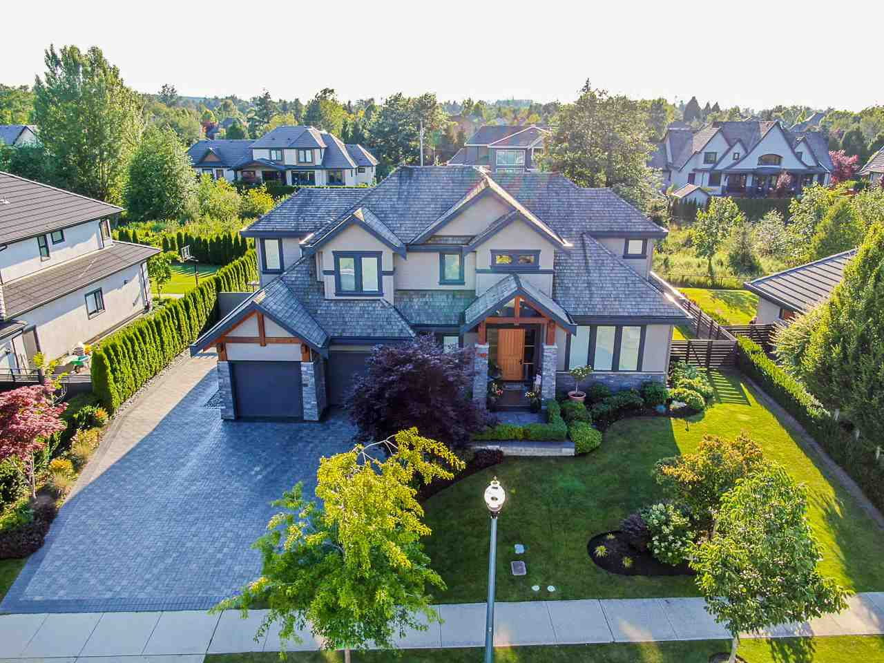 """Main Photo: 3425 164A Street in Surrey: Morgan Creek House for sale in """"Wills Brook at Morgan Greek"""" (South Surrey White Rock)  : MLS®# R2526551"""
