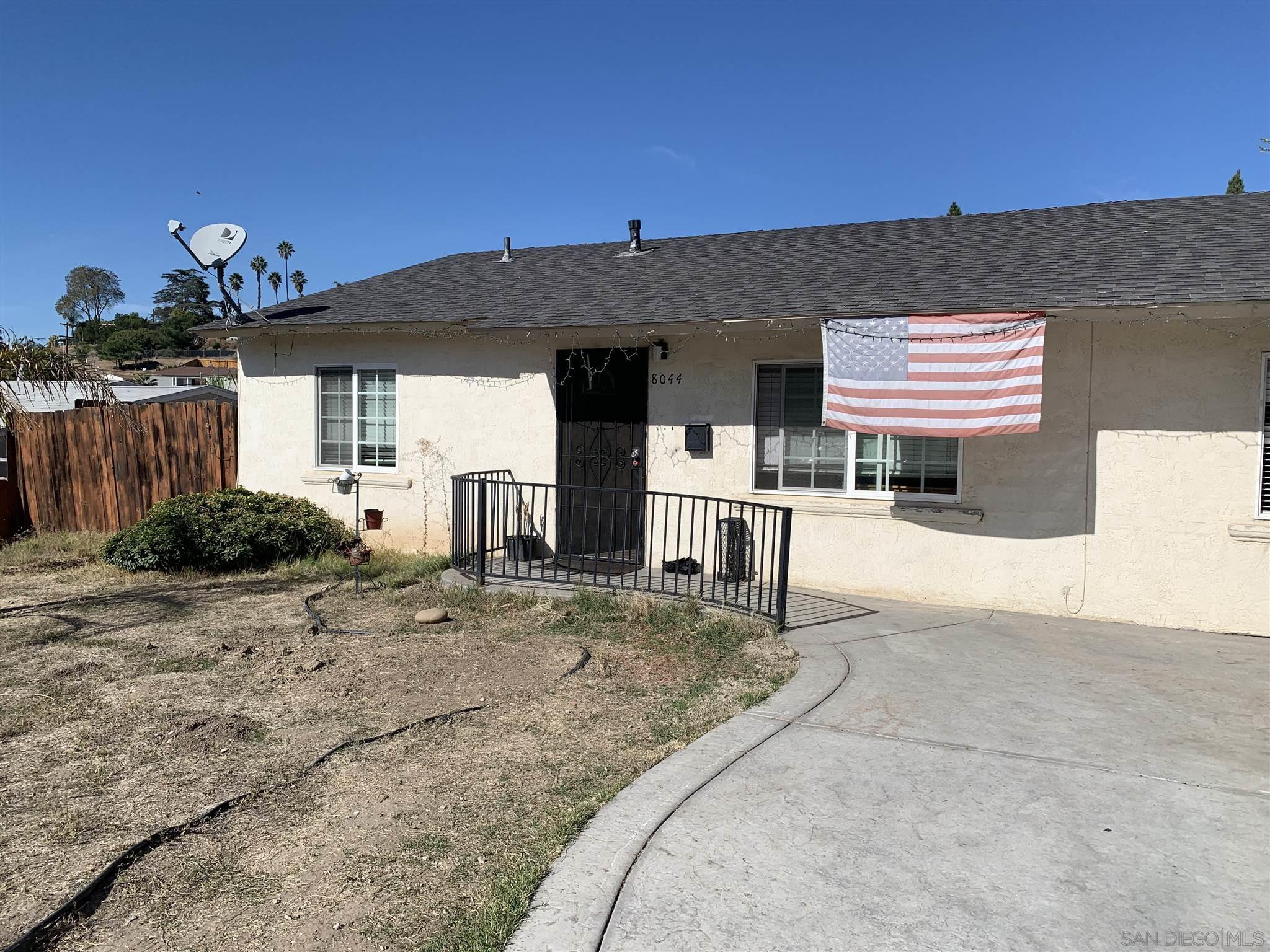 Main Photo: EAST SAN DIEGO House for sale : 4 bedrooms : 8044 Solana St in San Diego