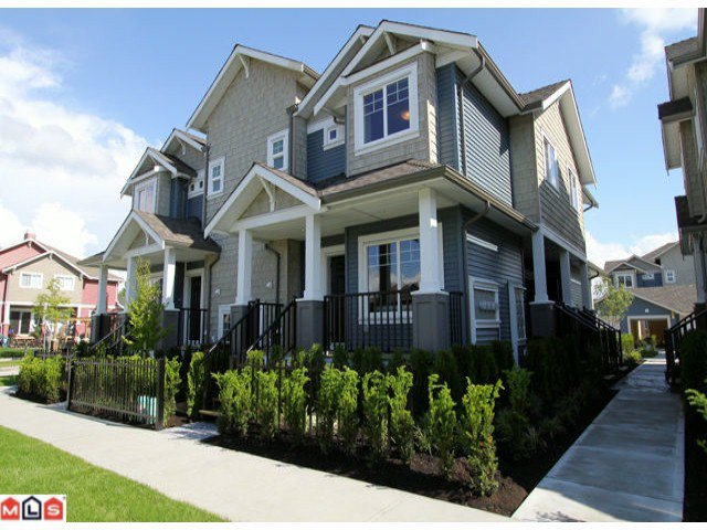 Main Photo: D1 19295 72ND Avenue in Surrey: Clayton Townhouse for sale (Cloverdale)  : MLS®# F1218750