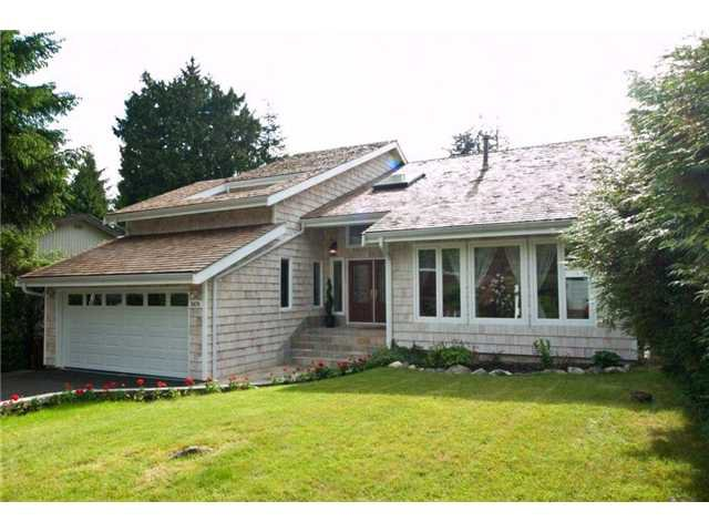 Main Photo: 5479 BLUEBERRY Lane in North Vancouver: Grouse Woods House for sale : MLS®# V808581