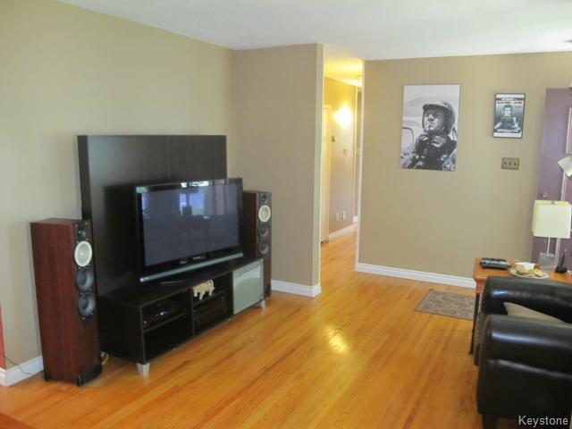 Photo 12: Photos:  in WINNIPEG: East Kildonan Residential for sale (North East Winnipeg)  : MLS®# 1416037